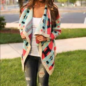 Sweaters - Trendy Boutique Aztec print spring shrug 💘